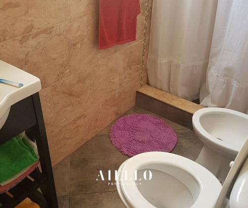 casa reciclada 4 ambientes. garage y patio. barrio pompeya. u$s 230.000 – contado