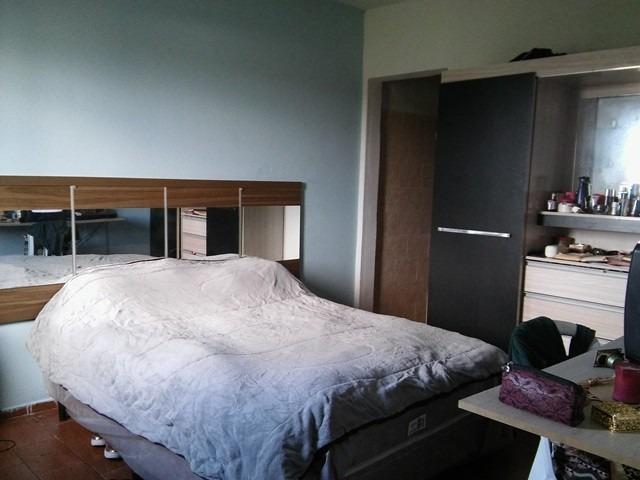casa reformada com 2 dorm, rua calçada, bairro residencial!