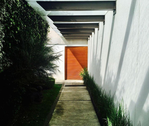 casa remodelada con uso de oficinas en san angel