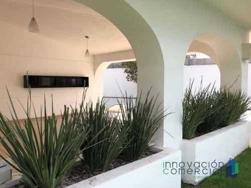 casa remodelada de un solo nivel y amplios espacios en jurica