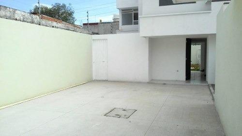 casa remodelada en venta en castillotla $1, 850,000