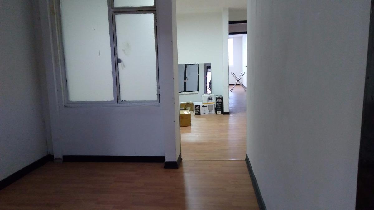 casa remodelada para oficina empresa u vivienda en sevilla