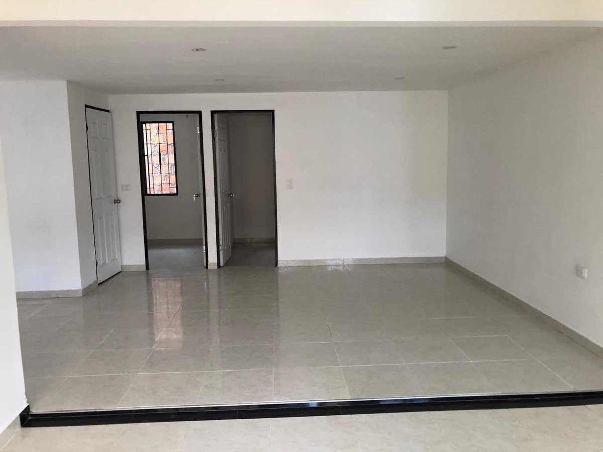 casa renta de dos pisos. 240 mts. barrio las brisas
