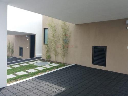 casa renta zibata inspira miro
