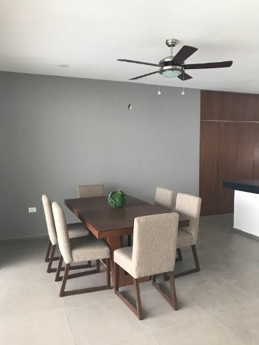casa residencial  de primer nivel en el norte de mérida  yucatan, en privada.