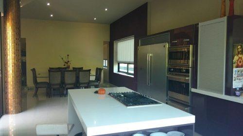casa residencial en venta en catujanes monterrey nuevo león