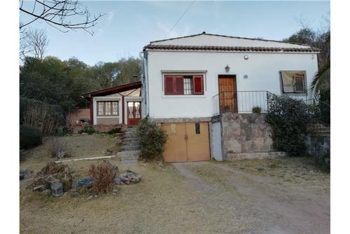 casa s/ lote de 2.000 m2. quincho/ piscina/ parque