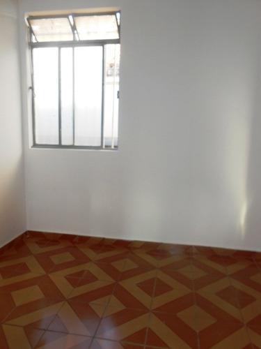 casa santa monica. 2 quartos. sala para 2 ambientes 1 vaga. ótima localização. - 1900