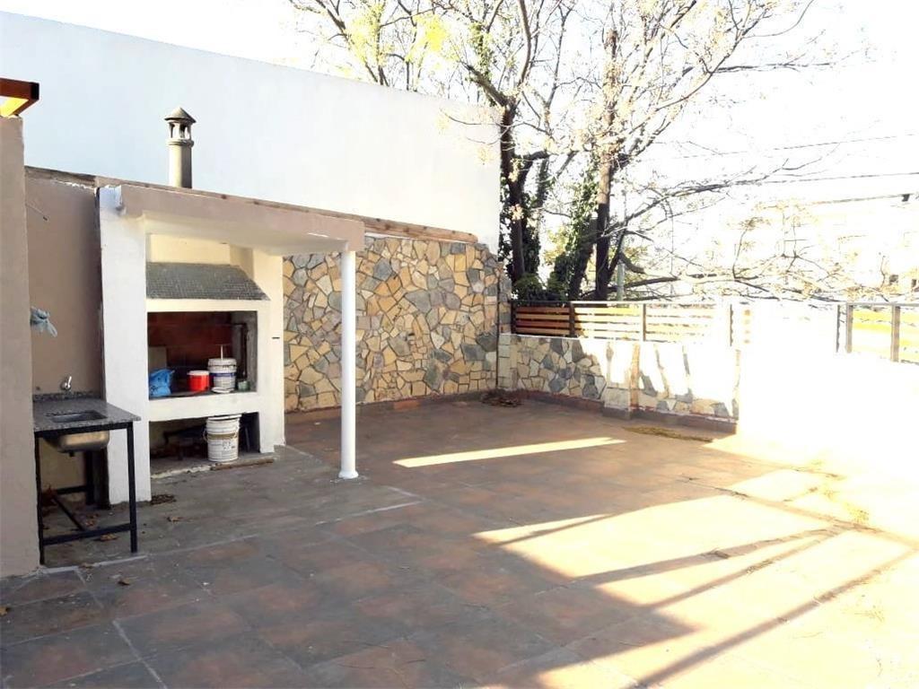 casa schmidel 5800 3 amb cochera terraza parrilla patio.