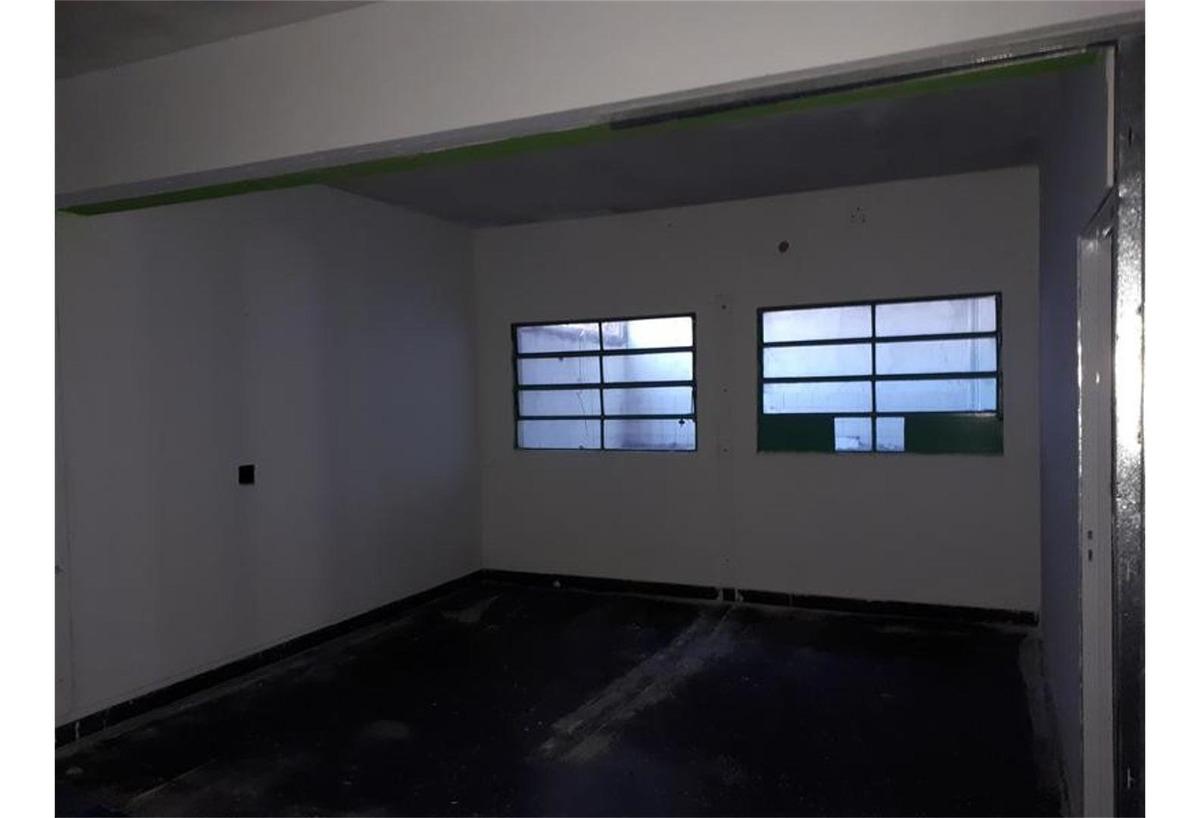 casa - semi-centro / propiedad retasada