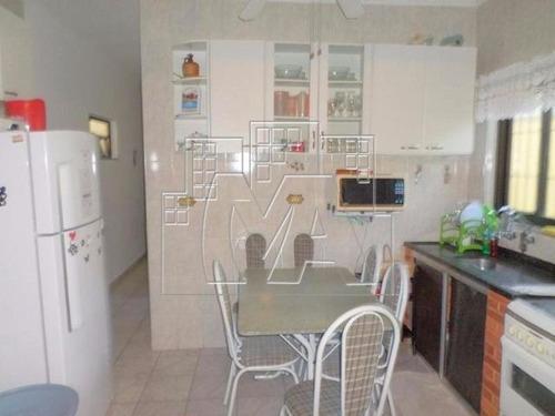 ¿casa semi-isolada com 3 dormitórios sendo uma suíte, localizada no flórida