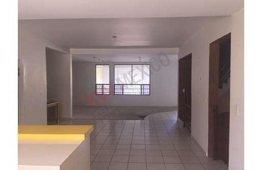 casa semi-nueva en excelente condición a un excente precio!!!