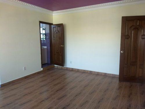 casa seminueva con excelentes acabados.