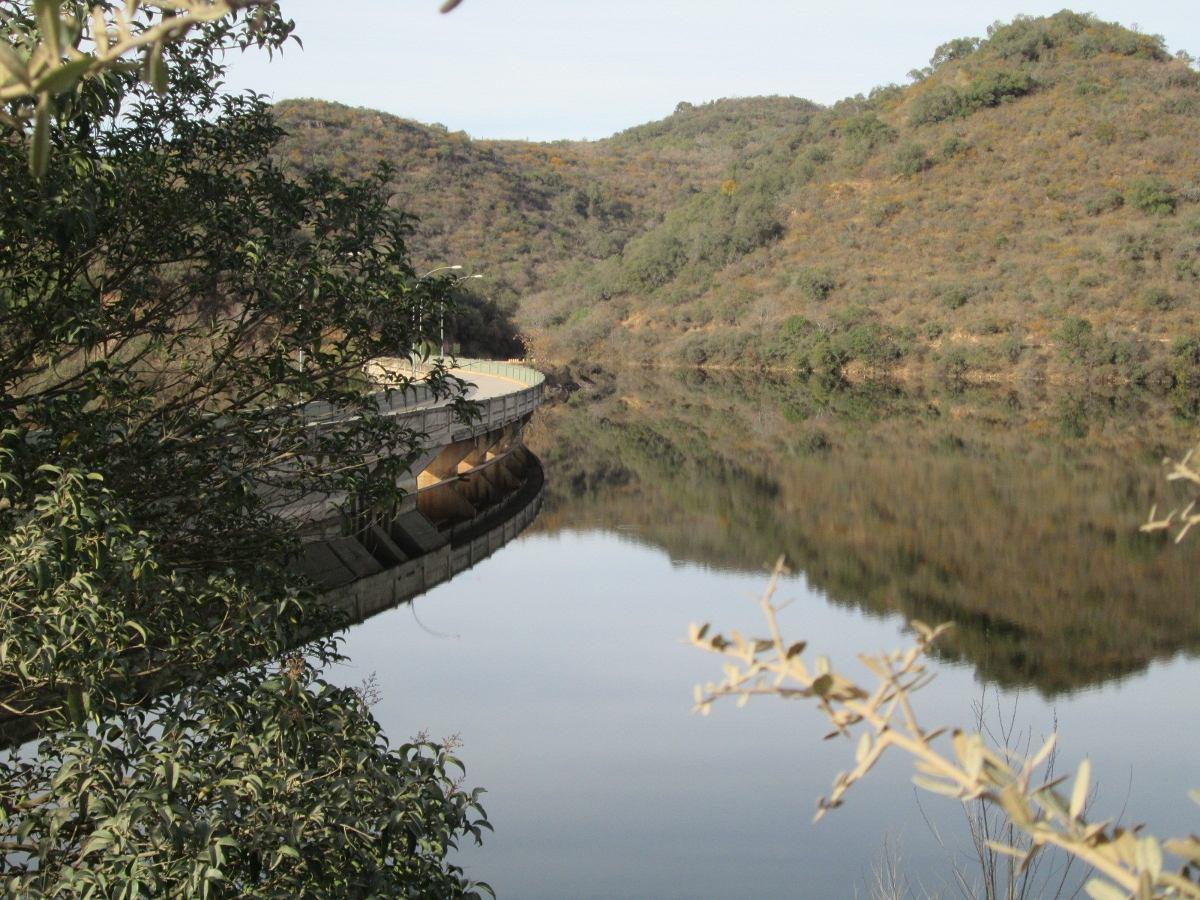 casa sierras cordoba pileta rio 3200m2 -11 personas