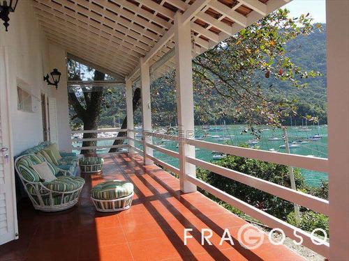 casa situada em local extremamente privilegiado, ampla vista para o píer do saco da ribeira, garagem náutica  e uma pequena praia particular!!! - v225