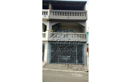 casa sobrado no bairro jardim santo antonio - osasco - sp, com 216 m² de área construída sendo 3 dormitórios com 2 suítes, sala, cozinha,  banheiro e 3 vagas de garagens