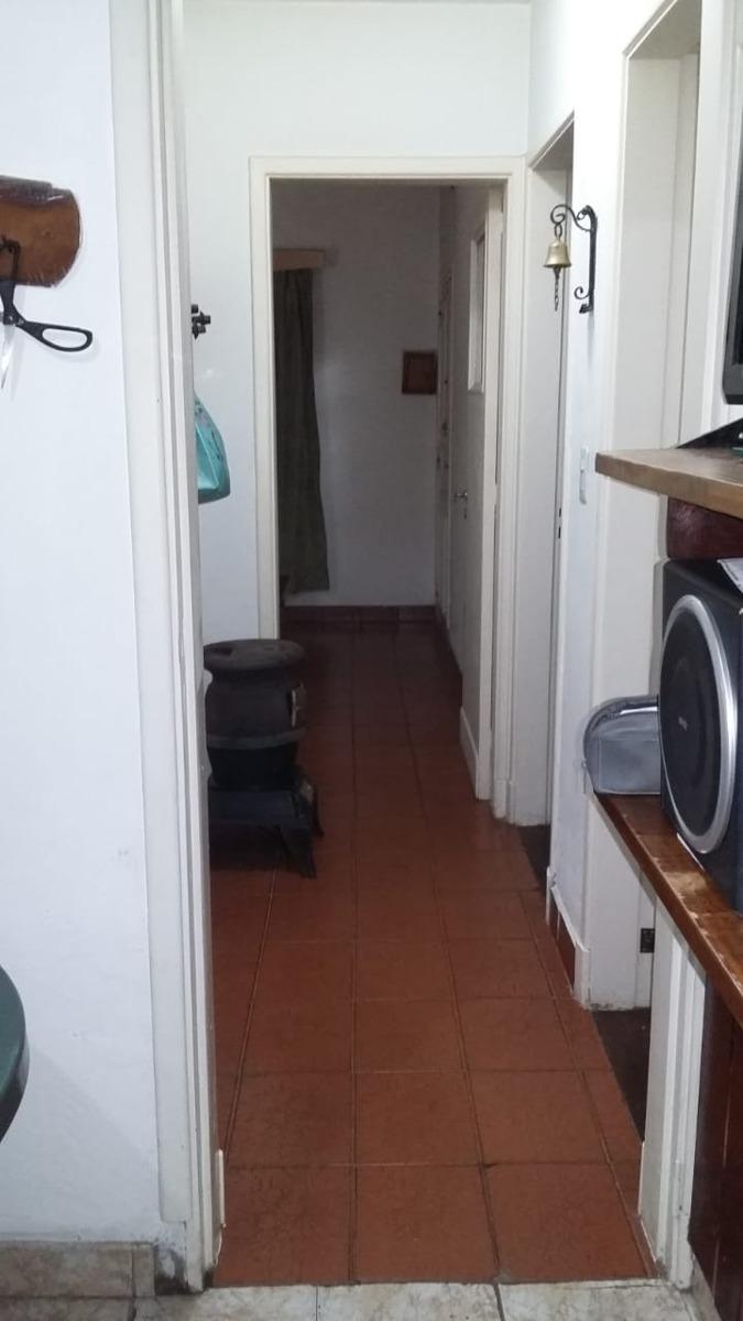 casa sobre asfalto / todos los servicios/moreno sur