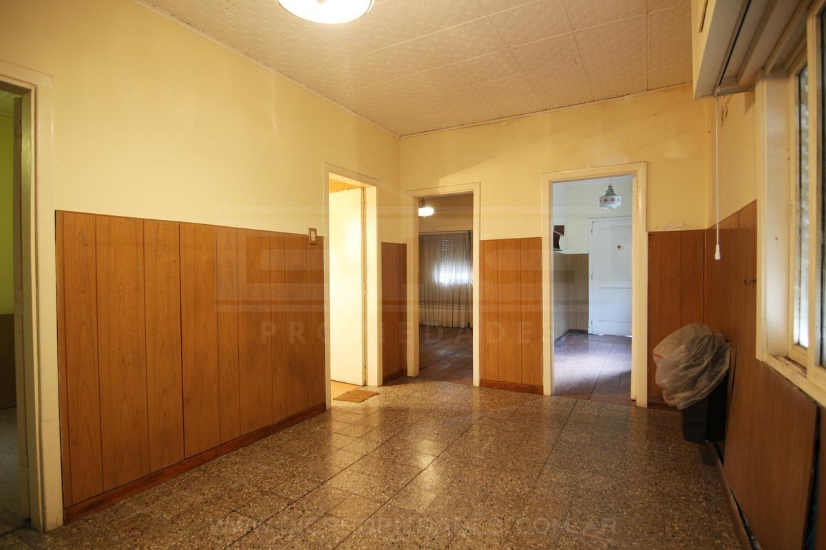 casa sobre lote propio 3 amb c/jdin y coch- florida belgrano-oeste