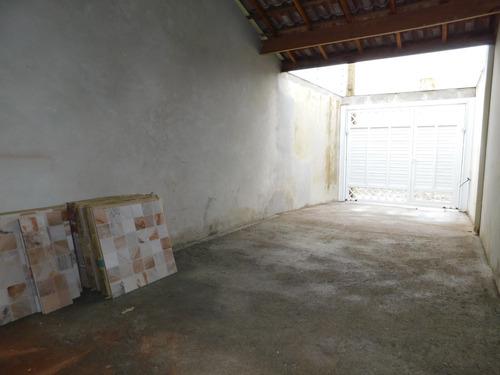 casa sobreposta baixa no pq. d'áville em peruíbe à venda.