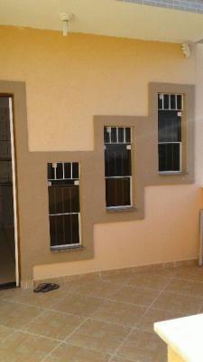 casa sobreposta com 1 quarto,em itanhaém/sp