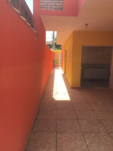 casa sobreposta com 2 quartos e escritura - ref 4049-p