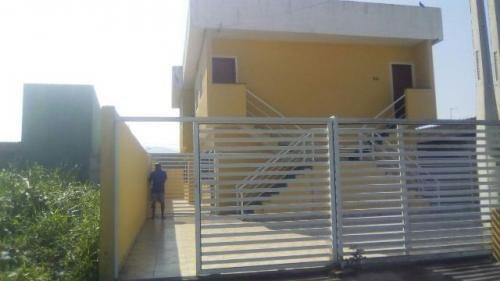 casa sobreposta com 2 quartos , entrada + parcelas, itanhaém