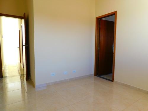 casa sobreposta no piso térreo a venda em peruíbe