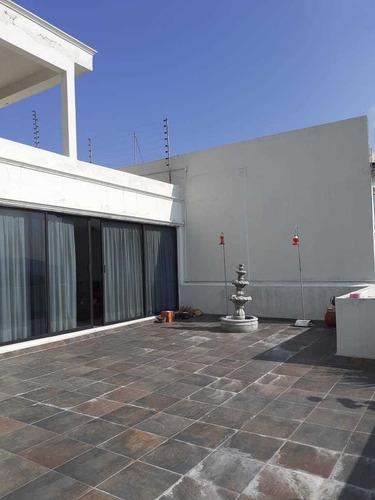 casa sola amplia con terraza