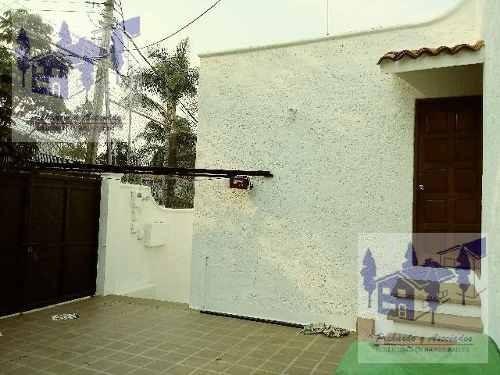 casa sola de 4 recamaras  en la colonia miraval, cuernavaca morelos