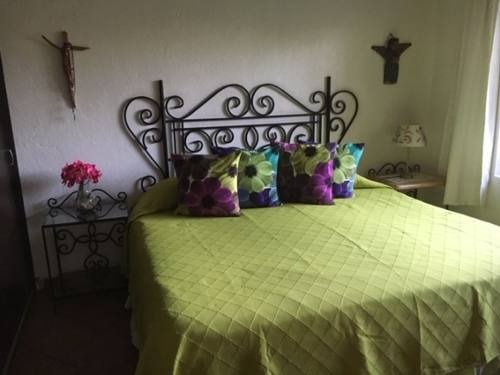 casa sola en pedregal de las fuentes / jiutepec - ber-739-cs