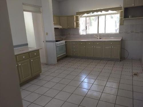 casa sola en renta fracc campestre martinica