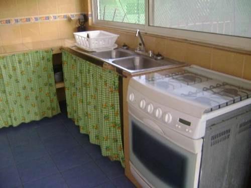 casa sola en renta fracc costa azul