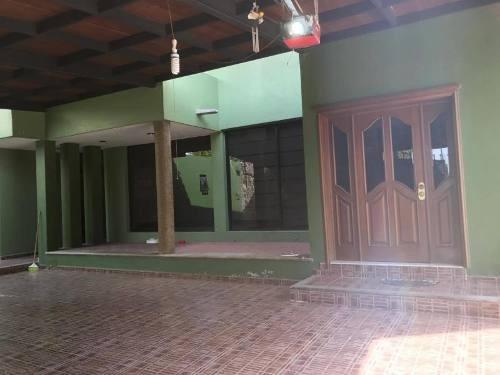 casa sola en renta fracc lomas de españita