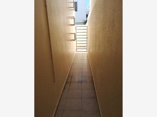 casa sola en renta fracc. lomas del sol