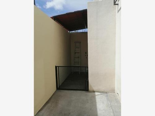 casa sola en renta fracc. puerta de piedra