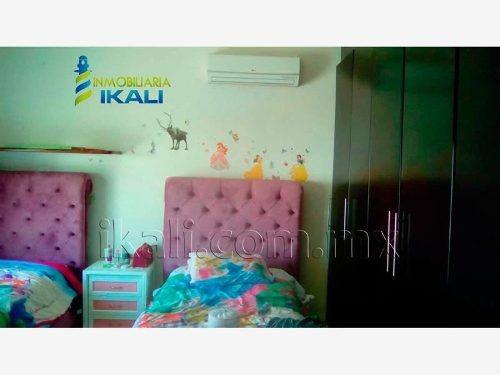casa sola en renta lomas residenciales