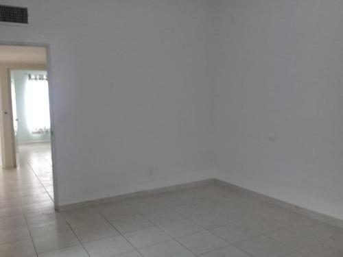 casa sola en renta senderos