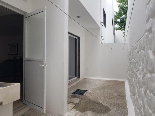 casa sola en renta terranova