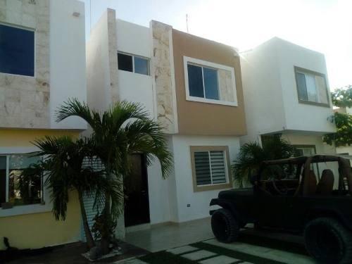 casa sola en renta velamar residencial