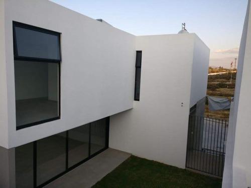 casa sola en renta zanda residencial