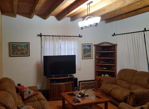 casa sola en santa maría ahuacatitlán / cuernavaca - roq-239-cs-562w