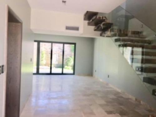 casa sola en venta altozano la nueva laguna
