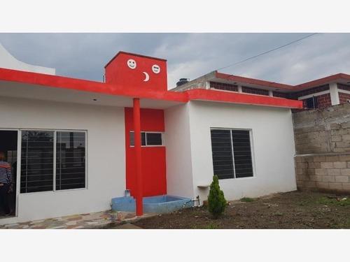 casa sola en venta año de juarez