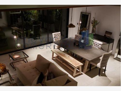 casa sola en venta arco de piedra jurica