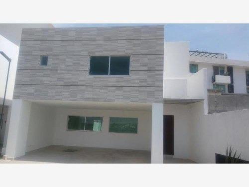 casa sola en venta casa en pre venta, por la radial, cerca uvm