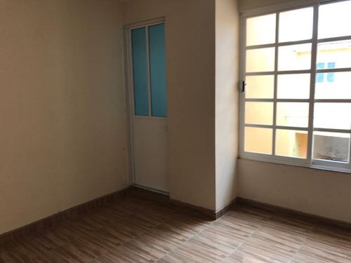 casa sola en venta, cd neza, remodelada, acabados finos,