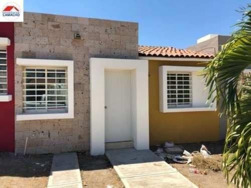 casa sola en venta colinas de las lagunas, zona norte de villa de álvarez; con acceso rápido a coma