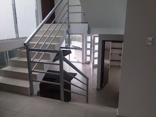 casa sola en venta cumbres de cimatario