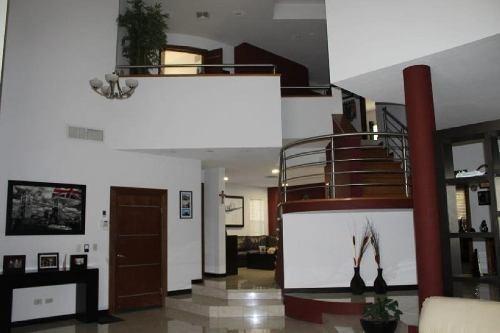 casa sola en venta en cumbres del pedregal, chihuahua, chihuahua