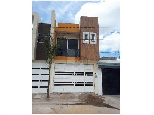 casa sola en venta en defensores de puebla, morelia, michoacán